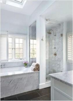 Cozy master bathroom decor ideas 33