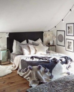 Cozy and beautiful bedroom for winter decor ideas 11
