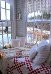 Cozy and beautiful bedroom for winter decor ideas 23