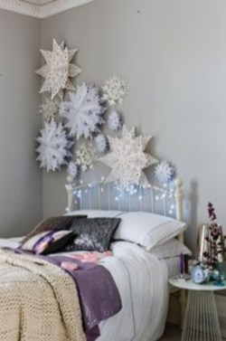 Cozy and beautiful bedroom for winter decor ideas 38