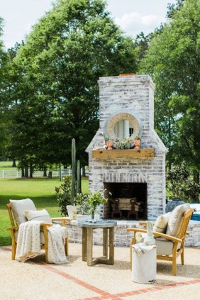 Fabulous winter patio decorating ideas 30