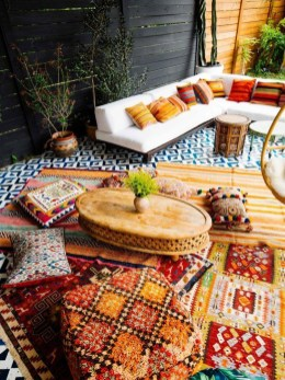 Gorgeous maximalist decor ideas for any home 41