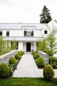 Modern farmhouse exterior design ideas 12