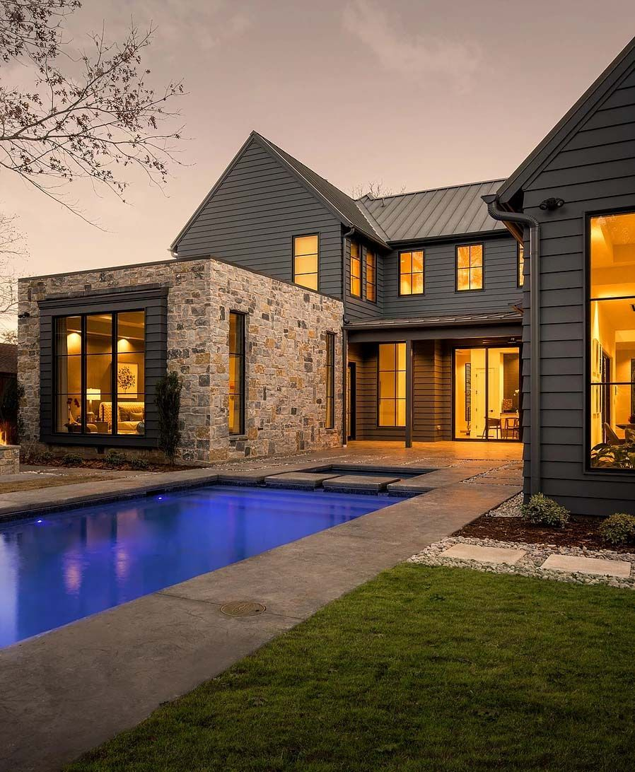 Modern farmhouse exterior design ideas 17