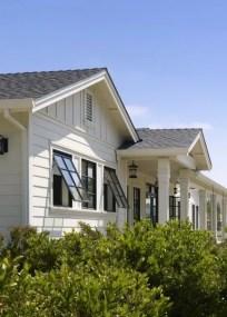 Modern farmhouse exterior design ideas 19