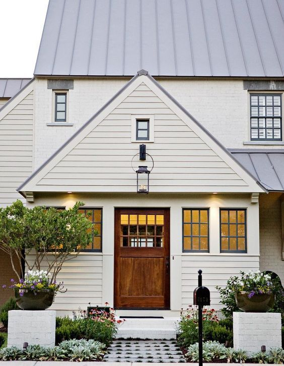 Modern farmhouse exterior design ideas 34