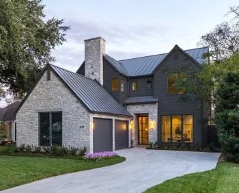 Modern farmhouse exterior design ideas 49