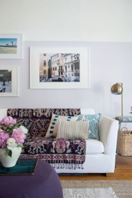 Design a living room in a small space that remains comfortablel 36
