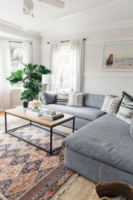 Design a living room in a small space that remains comfortablel 39