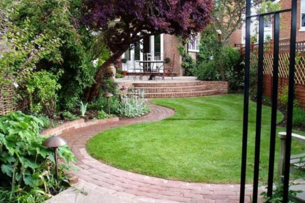 A small garden design that is still beautiful to see 10