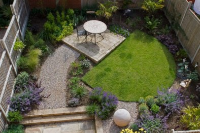 A small garden design that is still beautiful to see 26