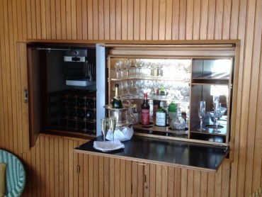 Amazing mini bar design ideas that you can copy right now 11