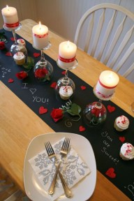 Dining table decor for dinner with a partner on valentine's day 24
