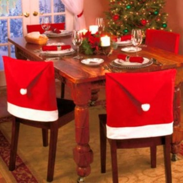 Dining table decor for dinner with a partner on valentine's day 30