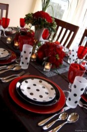 Dining table decor for dinner with a partner on valentine's day 35