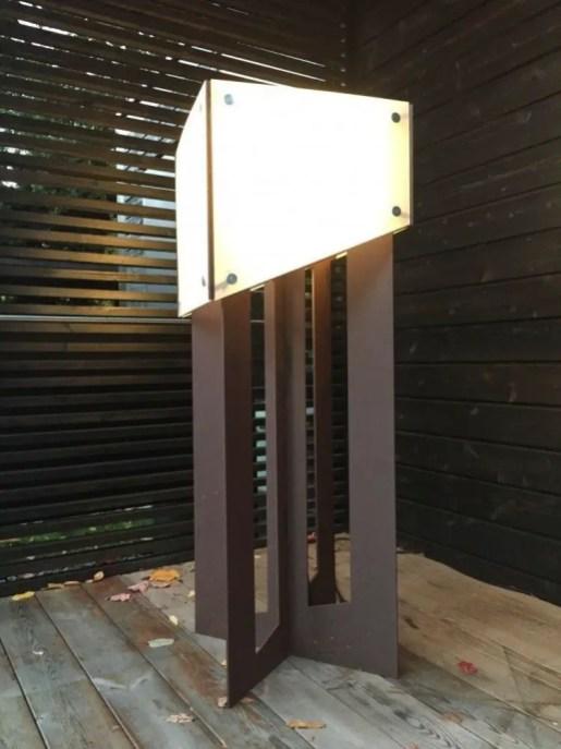 Garden lamp design ideas that make your home garden looked beauty 10