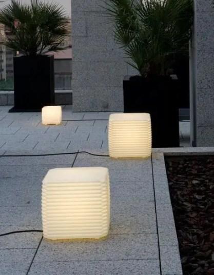 Garden lamp design ideas that make your home garden looked beauty 22