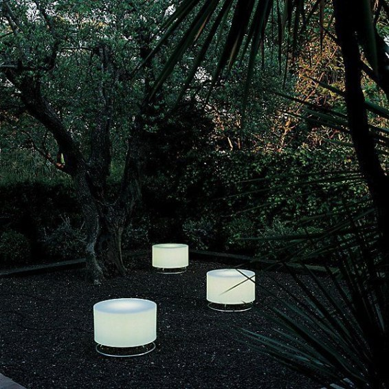 Garden lamp design ideas that make your home garden looked beauty 52