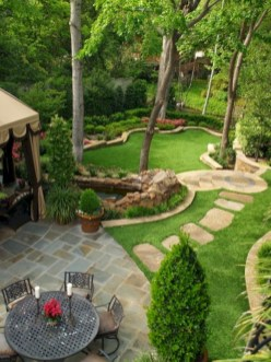 Garden exterior design ideas using grass that make your home more fresh 18