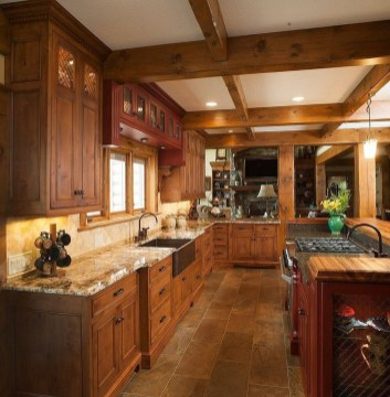 Rustic kitchen cabinet design ideas are very popular this year 25