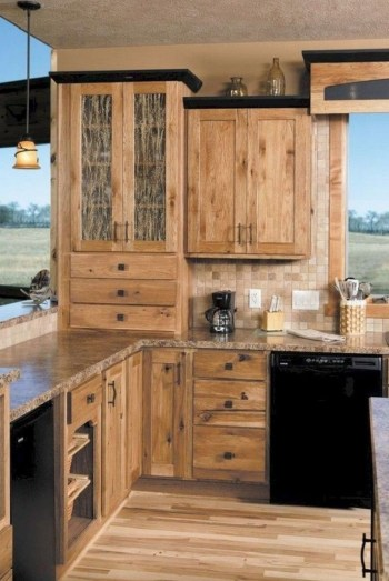 Rustic kitchen cabinet design ideas are very popular this year 29