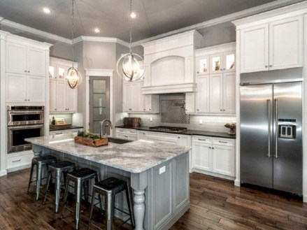 Rustic kitchen cabinet design ideas are very popular this year 32