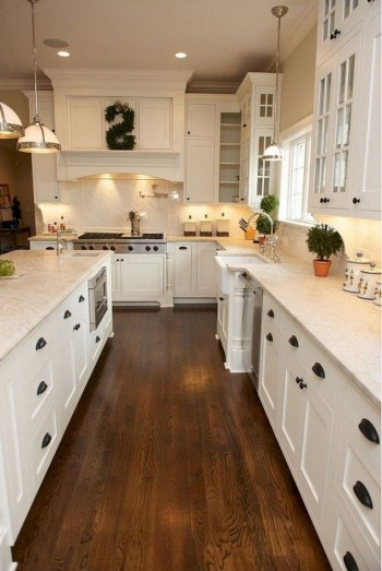 Rustic kitchen cabinet design ideas are very popular this year 55