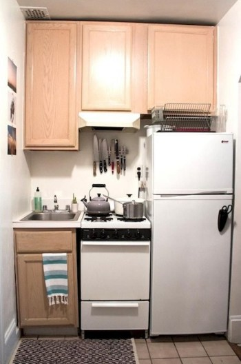 Simple kitchen design ideas that you can try in your home 50