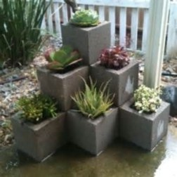 The best cinder block garden design ideas in your frontyard 04