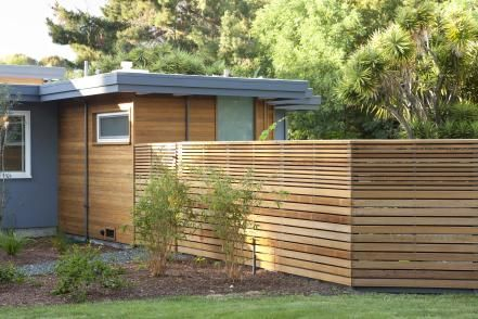 The best fence wooden design that you can try in your home 26