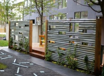 The best fence wooden design that you can try in your home 31