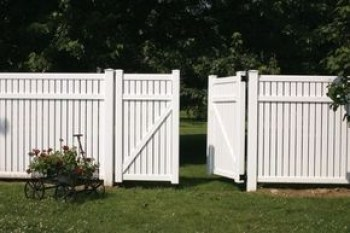The best fence wooden design that you can try in your home 34