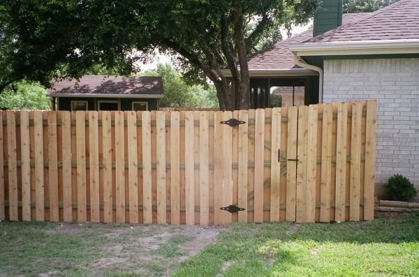 The best fence wooden design that you can try in your home 35
