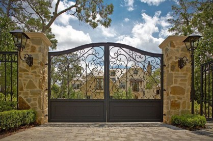 The best gate design ideas that you can copy right now in your home 20