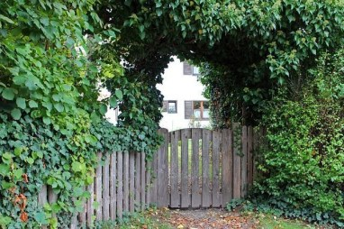 The best gate design ideas that you can copy right now in your home 33