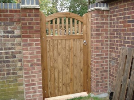 The best gate design ideas that you can copy right now in your home 44