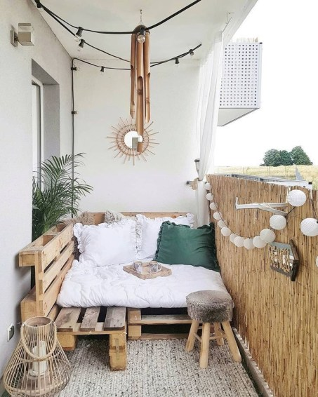 Beauty view design ideas for balcony apartment that make you cozy 12