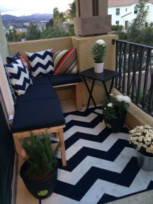 Beauty view design ideas for balcony apartment that make you cozy 20