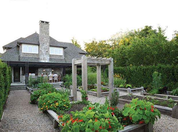 The best and stunning front yard design 33