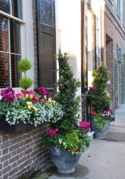 Exterior decoration ideas with flower in window 24