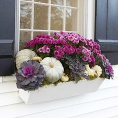 Exterior decoration ideas with flower in window 49