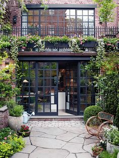 Exterior decoration ideas with flower in window 53