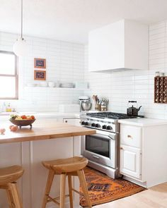 Wood kitchenset design ideas that you can try 38