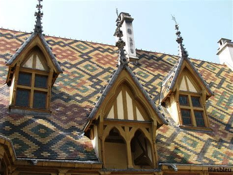 Best roof tile design ideas 19