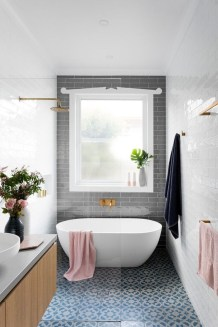 Minimalist bathroom design ideas 36