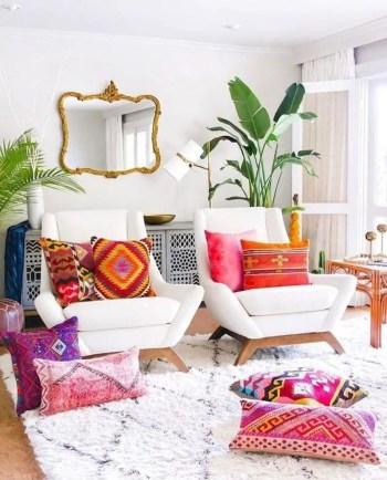 Inspiring living room wall design ideas 46