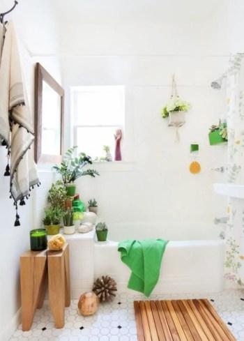 Inspiring small bathroom design ideas in apartment 31