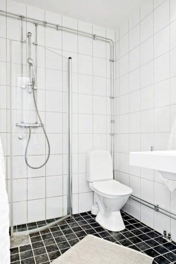 Inspiring small bathroom design ideas in apartment 38