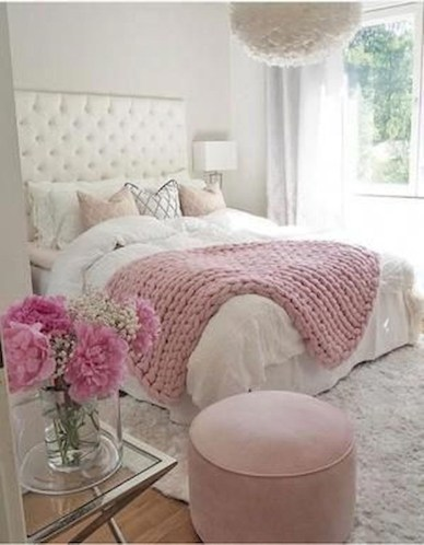 Luxury bedroom design ideas with goose feather 32