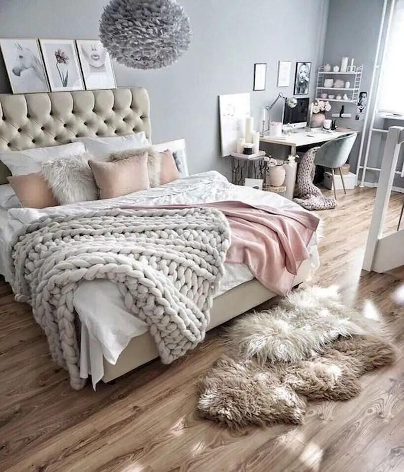 Luxury bedroom design ideas with goose feather 34